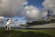 Sculpture Unconditional Surrender with USS Midway aircraft carrier von Panoramic Images