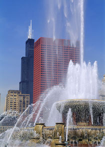 Fountain in a city, Buckingham Fountain, Chicago, Illinois, USA by Panoramic Images