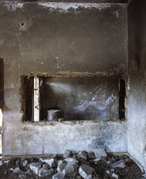 Bullet holes and war damage in a mosque wall, Syria von Panoramic Images