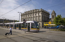 LUAS Tram in front of Heuston Station, Dublin, Ireland von Panoramic Images