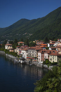 High angle view of a town at the waterfront von Panoramic Images