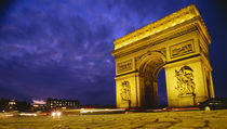 Low angle view of a triumphal arch, Arc De Triomphe, Paris, France von Panoramic Images