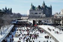 Skaters on Rideau Canal, Ottawa, Canada. von Panoramic Images