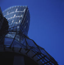 Low angle view of a glass building von Panoramic Images