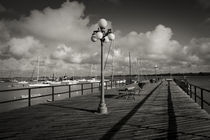 Lamppost on the jetty, Colonia Del Sacramento, Uruguay von Panoramic Images
