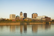Buildings at the waterfront, Des Moines River, Des Moines, Iowa, USA von Panoramic Images