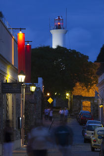 Lighthouse lit up at dusk, Colonia Del Sacramento, Uruguay von Panoramic Images