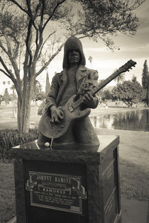 Tombstone of Johnny Ramone in Hollywood Forever Cemetery von Panoramic Images
