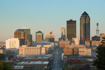 High angle view of buildings in a city, Locust Street, Des Moines, Iowa, USA von Panoramic Images