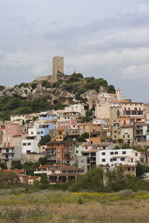 Town on a hill, Posada, Golfo di Orosei, Sardinia, Italy von Panoramic Images