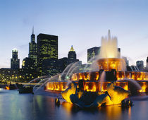 Fountain in a city lit up at night, Buckingham Fountain, Chicago, Illinois, USA by Panoramic Images