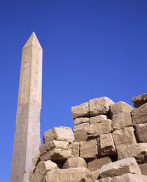 Low angle view of an obelisk, Egypt von Panoramic Images