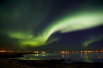 Aurora Borealis in the sky, Alftanes, Reykjavik, Iceland von Panoramic Images