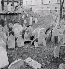 Tombstones in a cemetery von Panoramic Images
