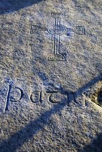 St Patrick's (claimed) Burial Stone von Panoramic Images
