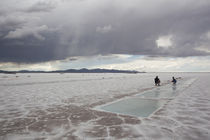 Clouds over a salt flat, Salinas Grandes, Jujuy Province, Argentina von Panoramic Images