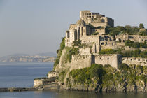 Castle on an island, Castello Aragonese d' Ischia, Naples, Campania, Italy von Panoramic Images