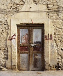 Closed door of a building, Syria von Panoramic Images