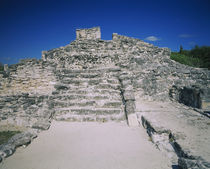 Ruins of an ancient building, El Rey ruins, Cancun, Quintana Roo, Mexico von Panoramic Images