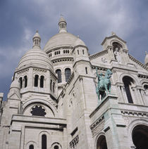 Low angle view of a church, Basilique Du Sacre Coeur, Montmartre, Paris, France von Panoramic Images