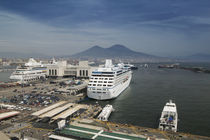 Ferries docked at a harbor, Naples, Campania, Italy von Panoramic Images