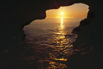 View Of Ocean Sunrise From Inside Anenome Cave von Panoramic Images