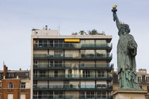 Low angle view of a statue von Panoramic Images