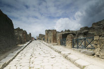 Tourists at old ruins, Pompeii, Naples, Campania, Italy von Panoramic Images