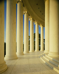 Marble floor and columns, Jefferson Memorial, Washington DC USA von Panoramic Images