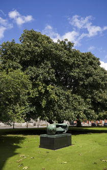 Henry Moore Sculpture in Library Square, Trinity College, Dublin, Ireland by Panoramic Images