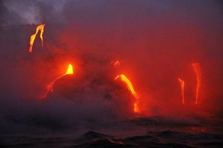 Kilauea-volcano-molten-lava-ocean-rm-haw-d319512