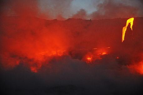 Kilauea-volcano-molten-lava-rm-haw-d319518