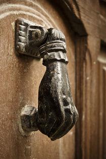 Door Knocker, Valencia von Cameron Booth