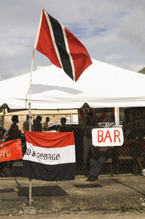 A makeshift bar in the Port of Spain carnival in Trinidad. von Tom Hanslien