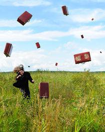 Suitcase rain von Roman Rodionov