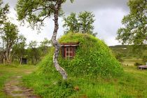 Southsami gamme - traditional house for reindeer herders by Bente Haarstad
