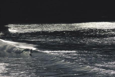 Solitude-surfer