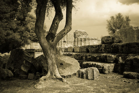 Greece-temple-of-zeus-olympia