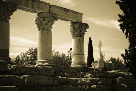 Greece-corinth-ruins