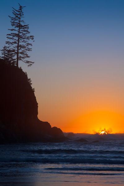 Sunset-melting-into-sea