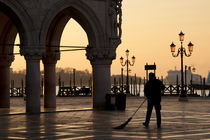 Piazza San Marco in the Morning Hour, Venice, Italy von Richard Susanto