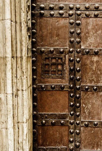 Cathedral-door