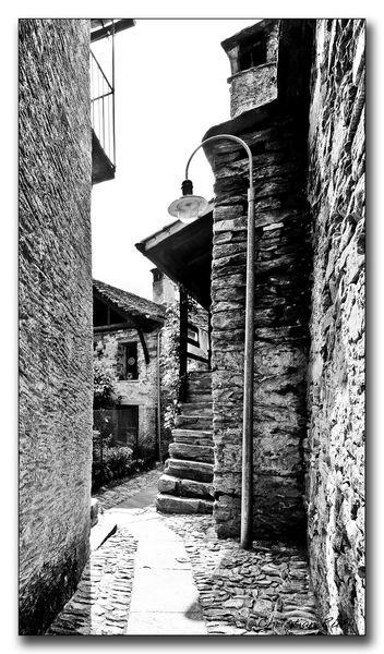 Twisting-village