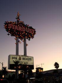 Las Vegas  by Peter  Crumpton