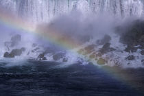 Niagara Falls with Rainbow by Wolfgang Kaehler
