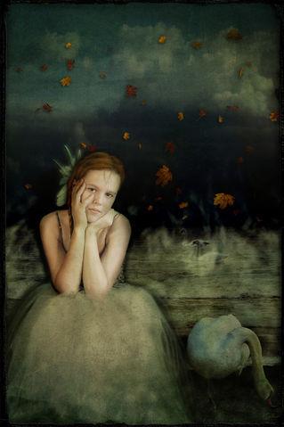 Girlwithswan-c-sybillesterk