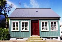Typical home in Reykjavik, Iceland von Linda More