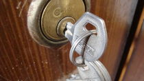 Silver keys Golden Key Hole von tariq3d