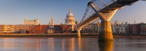 London, St. Paul's Cathedral and Millennium Bridge von Alan Copson