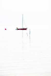 Boot-bei-sonnenuntergang-extrem-hell